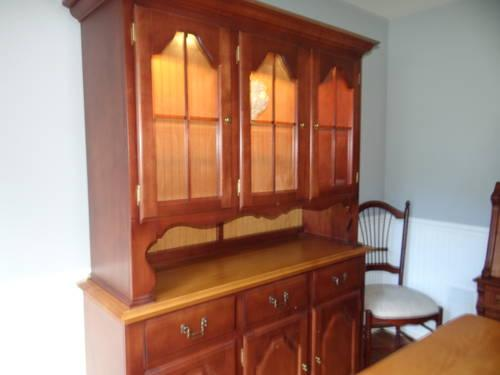 Bermex Cherry Oak Dining Set And Lighted Hutch Square Table Seats 8 For Sa