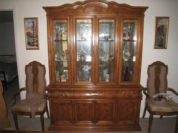 BERNHARDT DINING ROOM SET   $2000