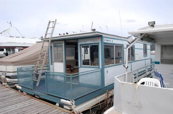 Best little house boat 1970 house boat in shasta lake for Shasta motors redding california
