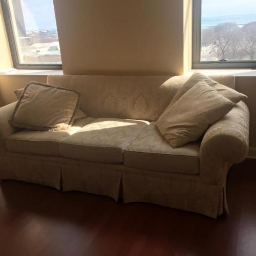 Big Family Sofa For Sale In Chicago Illinois Classified