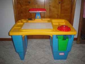 BIG\' LITTLE TIKES DESK...40 X 26...w LIGHTED TOP TO TRACE ...