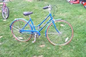 bike schwinn collegiate woman 39 s 26 schenectady for sale in albany new york classified. Black Bedroom Furniture Sets. Home Design Ideas