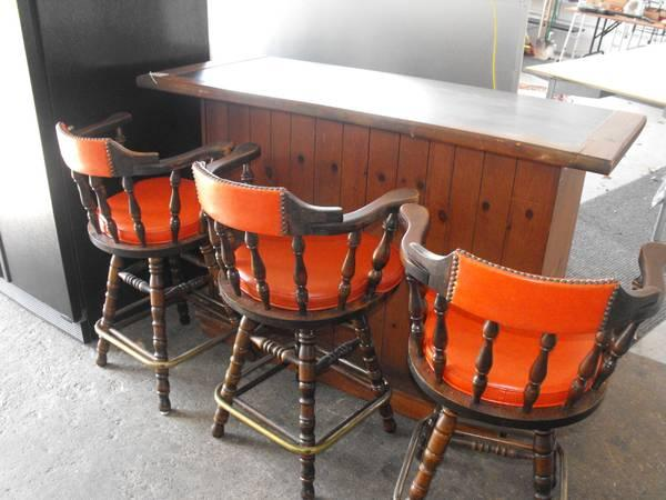 Bill S Other Yard Sale Vintage Bar And Bar Stools For