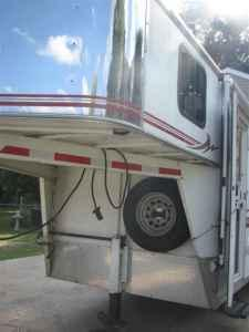 Bison Aluminum Two Horse Trailer Living Quarters Marion For Sale Kokomo Indiana