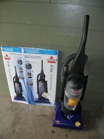 Bissell Powerforce Helix Bagless Vacuum Cleaner For Sale