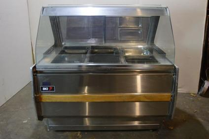 BKI 3 Well Curved Glass Heated Display Case