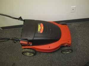 Black Amp Decker Cmm1200 19 Inch Cordless Mulching Lawn