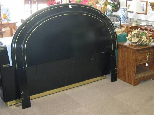 Black Lacquer Queen Full Headboard By Lane Great Condition For Sale In Fort Smith Arkansas