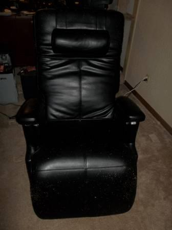 Black Leather Zero Gravity Back Pain Power Recliner Chair