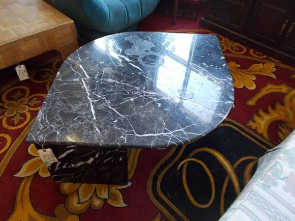 Black Marble Cocktail Table for Sale in Greenwich
