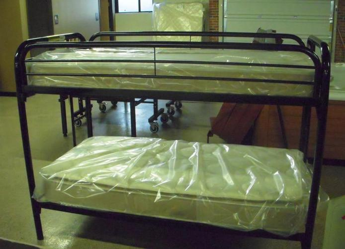BLACK TWIN OVER TWIN BUNK BED BRAND NEW Metro