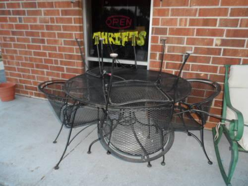 Black Wrought Iron Patio Set Round Table Amp 4 Chairs For