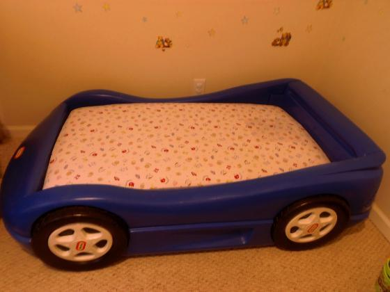 Blue Little Tikes Toddler Kid Race Car Bed w Mattress