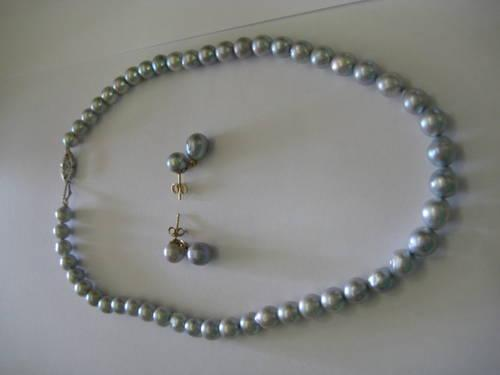 BLUE PEARL NECKLACE AND EARRINGS 10 K GOLD VINTAGE MAKE