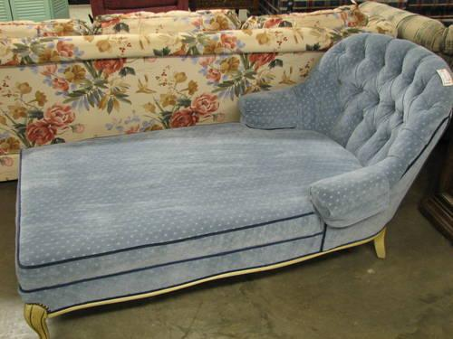 Blue velvet chaise lounge chair for sale in fort wayne for Chaise wayne