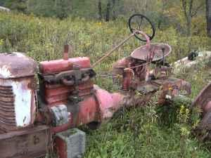 Farmall BN Tractors for Sale http://williamsport-pa.americanlisted.com/garden-house/bn-farmall-cyl-head-75-gillett-pa_20809473.html