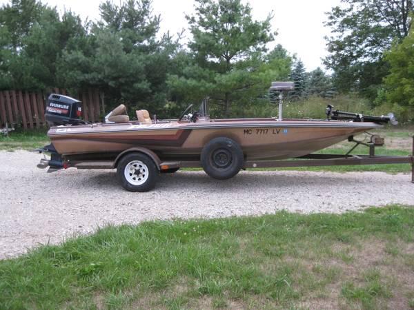Boat 1985 cajun ricky green fishing machine bass boat for Bass fishing boats for sale