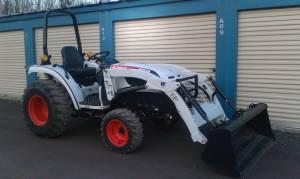 Bobcat Tractor CT335 w/Loader - $15000 (Mt Cobb)