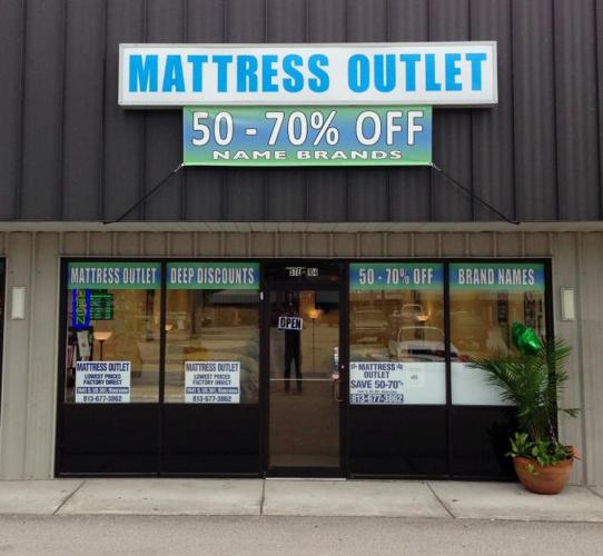 Bobs Beds Mattress Outlet for Sale in Riverview Florida
