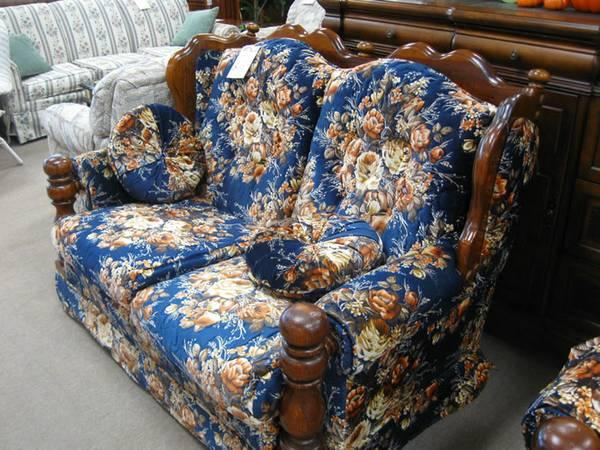 Bold Floral Pattern Love Seat Item 4750 For