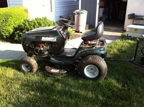Bolens Lawn Tractor : Bolens lawn tractor w spreder for sale in troy ohio