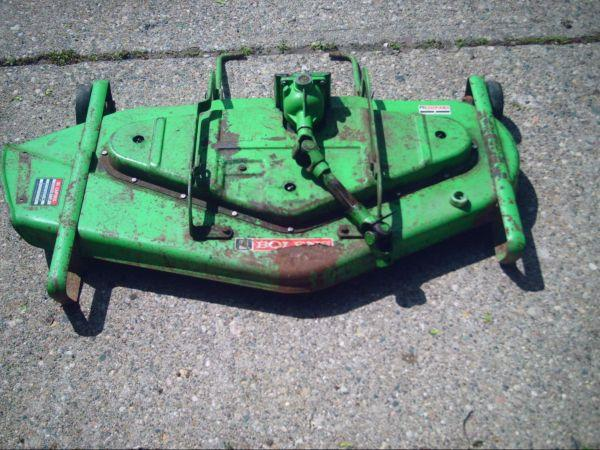 Bolens 1050 42 inch mower deck - $125 (Grand Blanc)