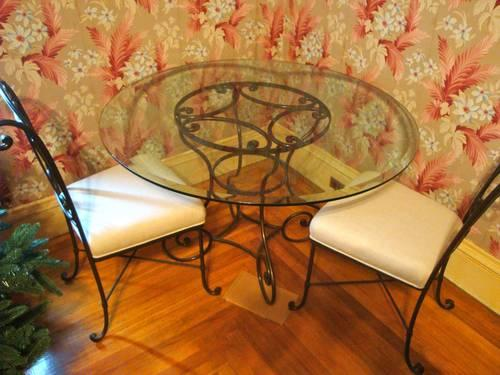 Bombay Company Dining Room Table Chairs