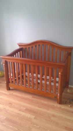 Bonavita lifestyle crib for sale in cordova tennessee for Bonavita nursery furniture