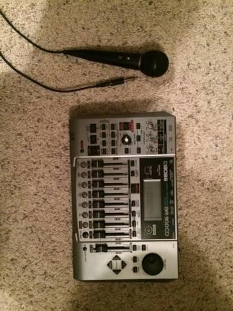 BOSS BR 900CD Multitrack Recorder W MICROPHONE Like New Condition
