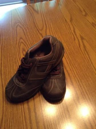 Boy's Size 6 Brown Sonoma Shoes - $5