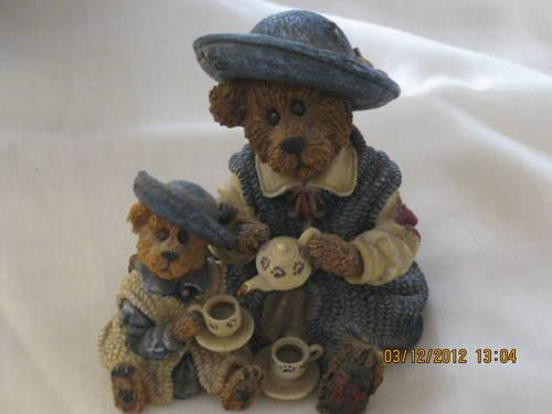 Boyds Bearwear Pin Caitlin Berriweather, F.o.B. 2000