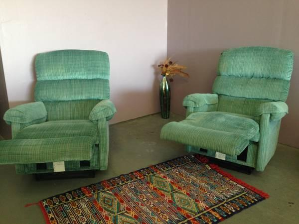 BRAND NEW 2 CHAIRS WITH RECLINERS --
