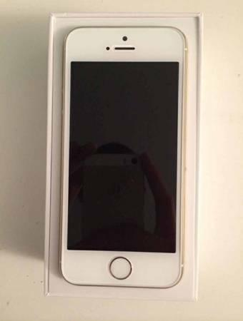 Brand NEW 64gb I Phone 5s Unlocked ...... - $250
