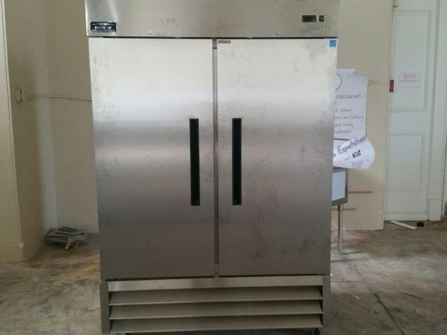 BRAND NEW!! ARCTIC AIR COMMERCIAL REFRIGERATOR!