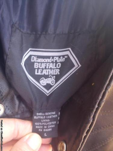 BRAND-NEW BLACK LEATHER BIKER JACKET SIZE LG