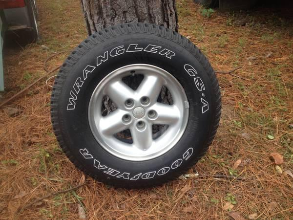 Brand New Goodyear Wrangler 225/75/R15 on Jeep Rim - for ...