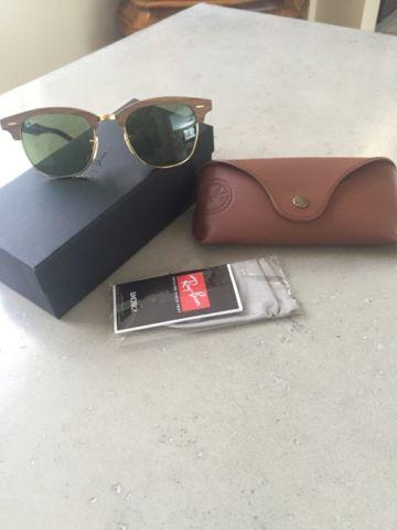 ***BRAND NEW **** RAYBAN RB 3016M CLUBMASTER WOOD !!!!
