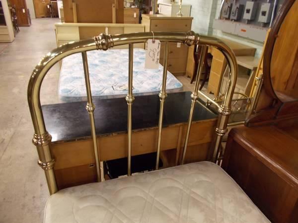 Brass Twin Bed for Sale in Greenwich Pennsylvania