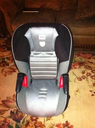 Britax Frontier 90 Car Seat - $100