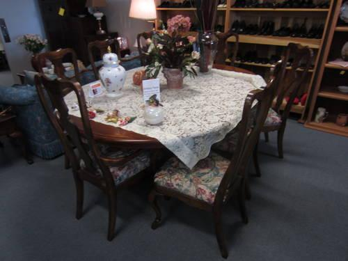 Brittany Dining Table And 8 Chairs For Sale In Olympia