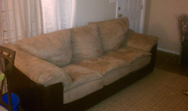 Brown Suede N Leather Sofa   $100 (lake Wales)