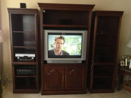 Merveilleux Broyhill Entertainment Center 5 Piece Classifieds   Buy U0026 Sell Broyhill  Entertainment Center 5 Piece Across The USA   AmericanListed