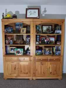 Broyhill fontana bookcases 2 units east end for sale for Broyhill american era bedroom furniture