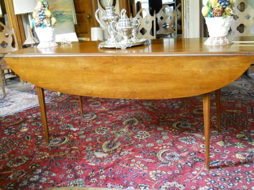 Solid Pine Dinning Table And 6 Chairs