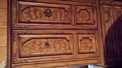 Broyhill king size bedroom suite headboard dresser with for Broyhill american era bedroom furniture