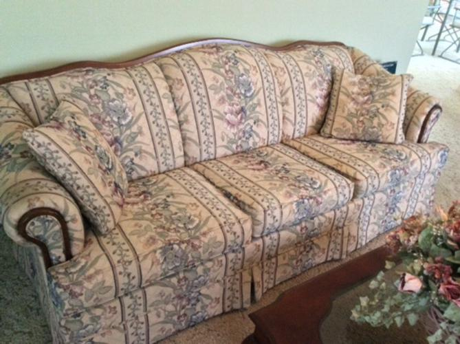 Broyhill Sofa and Loveseat for Sale in Ocala, Florida Classified ...