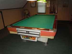 Brunswick Gold Crown Pool Table Perkiomenville For