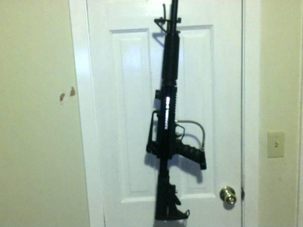 BT-4 ASSAULT PAINTBALL GUN AND ACCESSORIES - $250