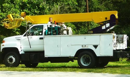 bucket truck gmc cat diesel motor works great for sale in gadsden alabama classified. Black Bedroom Furniture Sets. Home Design Ideas