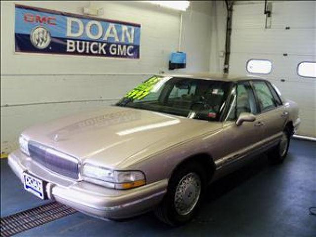 buick park avenue 1995 1995 buick park avenue car for sale in rochester ny 4427116220 used. Black Bedroom Furniture Sets. Home Design Ideas